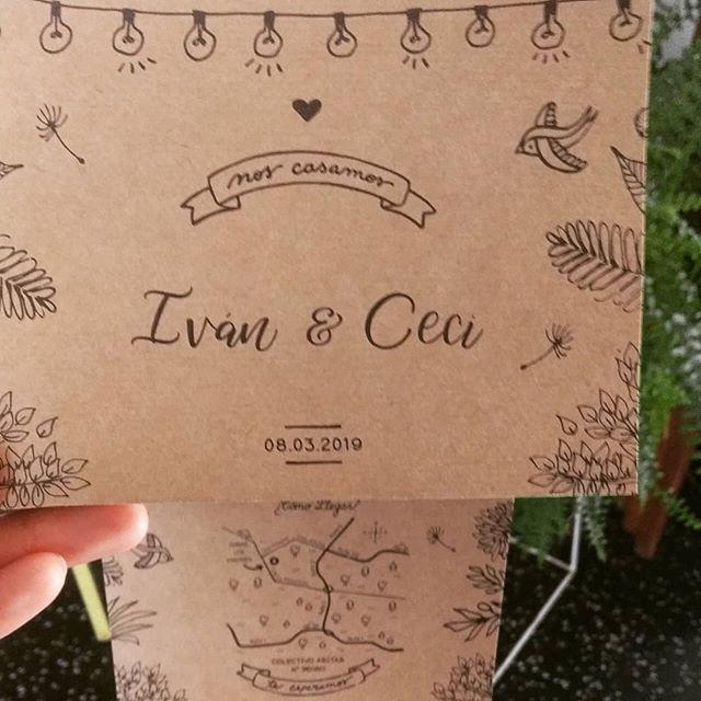 Modelo tríptico para la #boda de Iván y Ceci 🎉son divinas, prácticas y súper completas! #celebracion #casamiento #hechasconamor #hechasparacompartir #papel