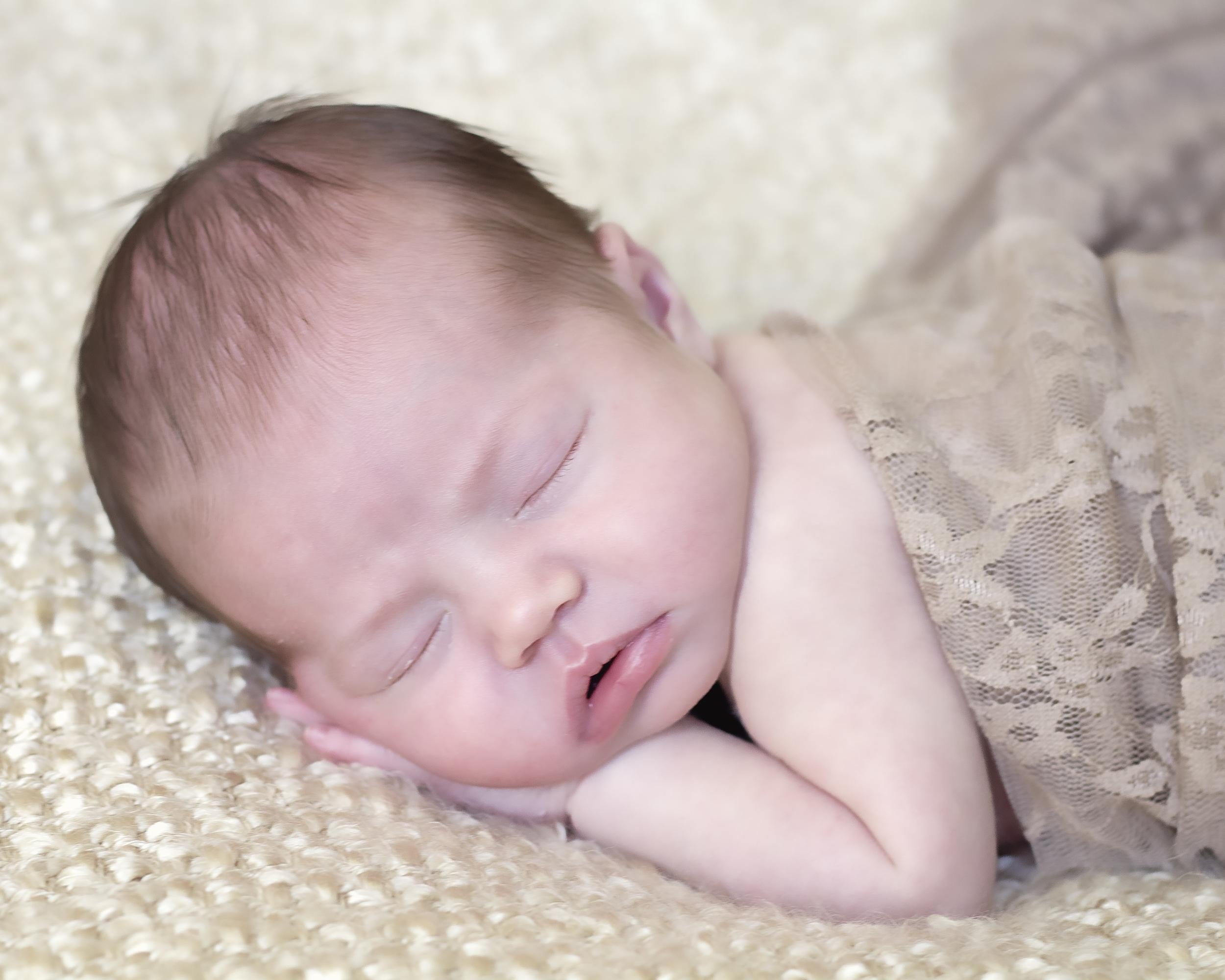 NewbornPortraits_BabyTessa-32.jpg