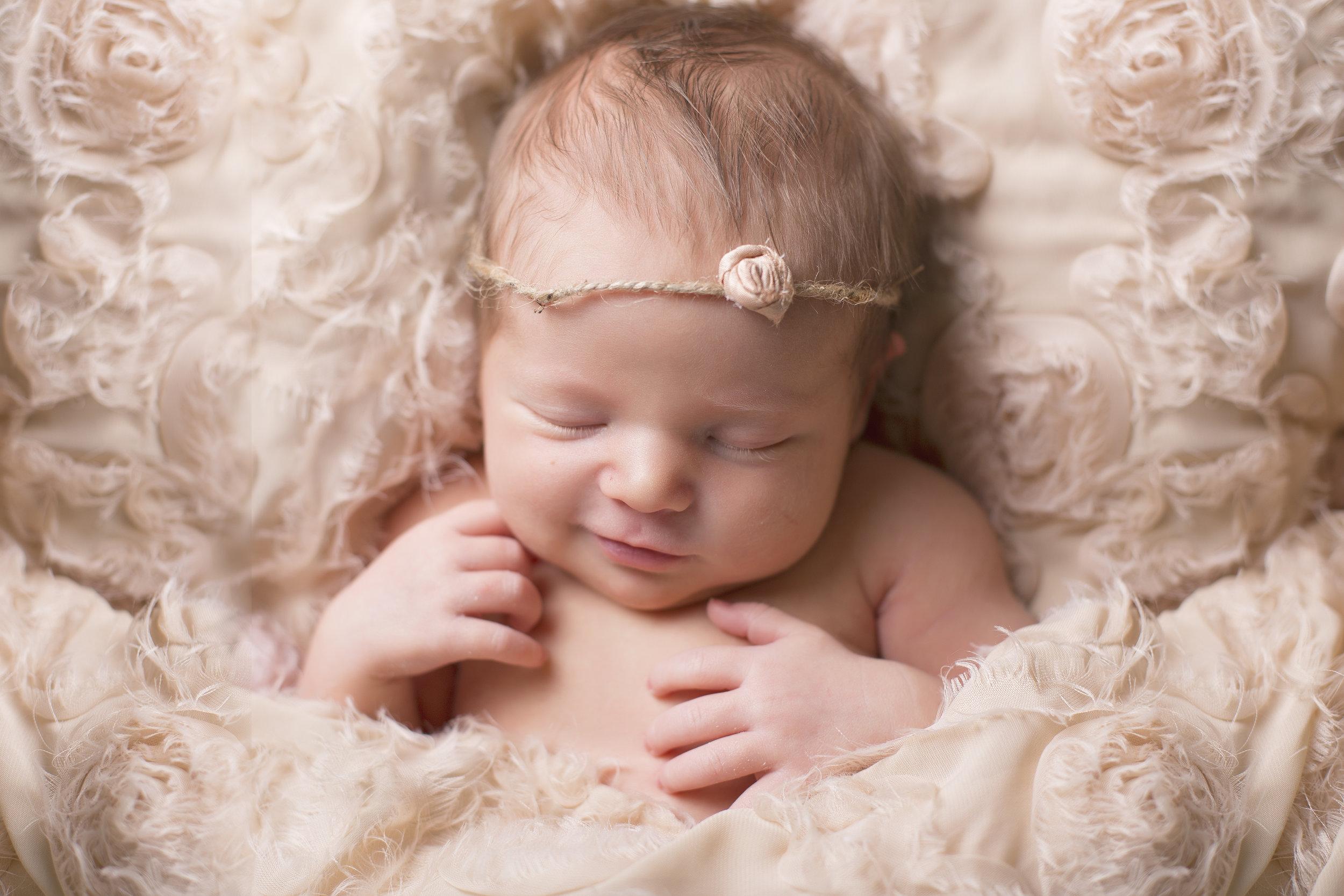 Kambri_Newborn-18.jpg