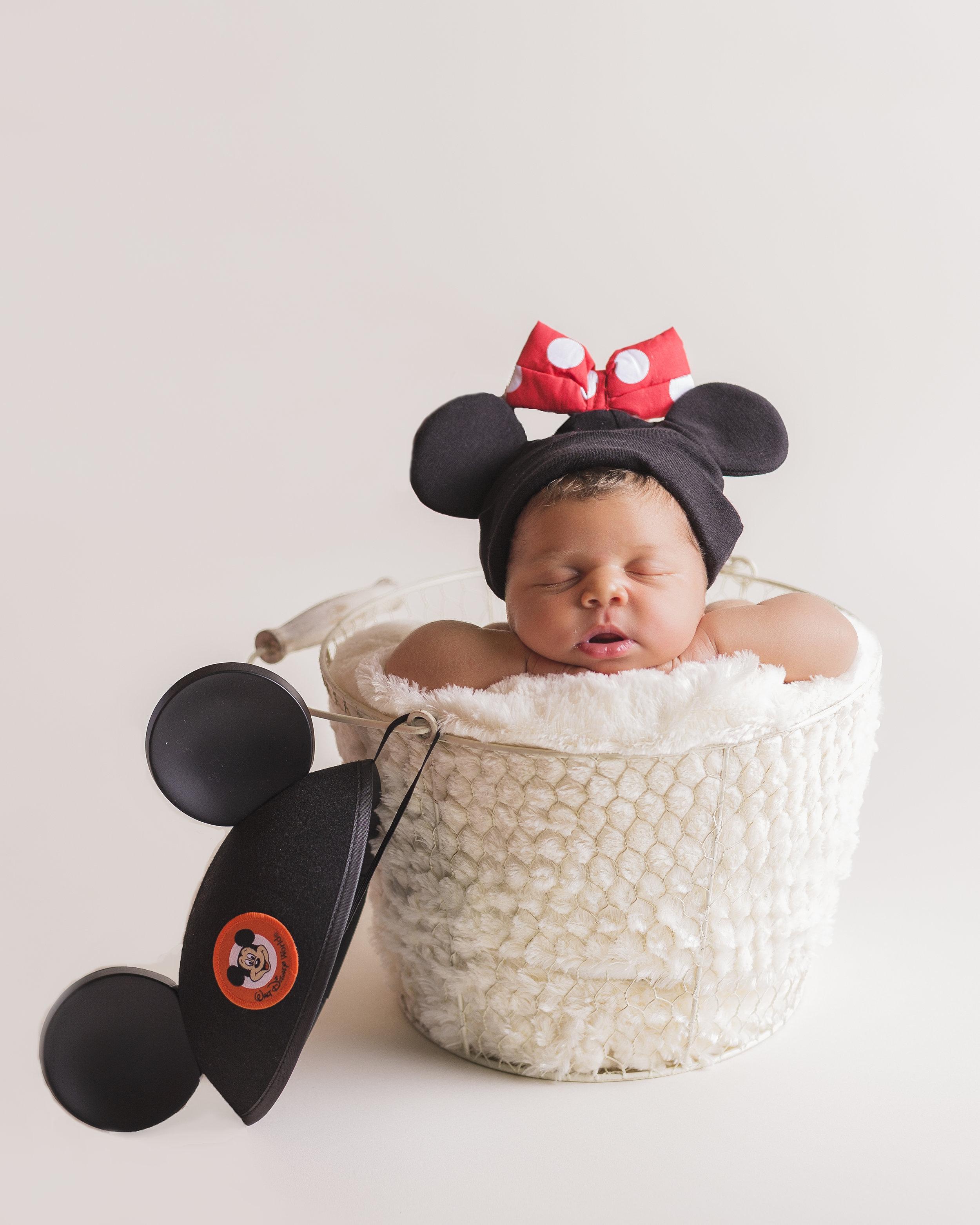 BabyRiley_Newborn-15.jpg