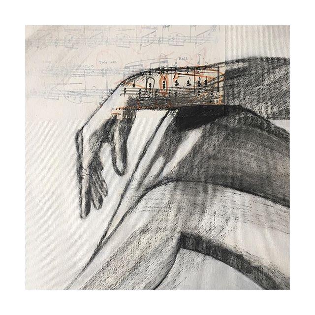 [Détail | Mains | Commande | 120 x 100 cm | 2019] • • • #femme #féminité #portrait #fusain #charcoal #noiretblanc #maispasseulement #acrylicpainting #painting #odealafemme #feminine #féministe #corps #courbes #modelevivant #pose #atelier #surlevif #musique #partition #recyclage #secondevie #lapeintureetlamusique #figurativeart #contemporaryart #melissendescottdem #bordeaux #artiste #feminine #peintureengagée