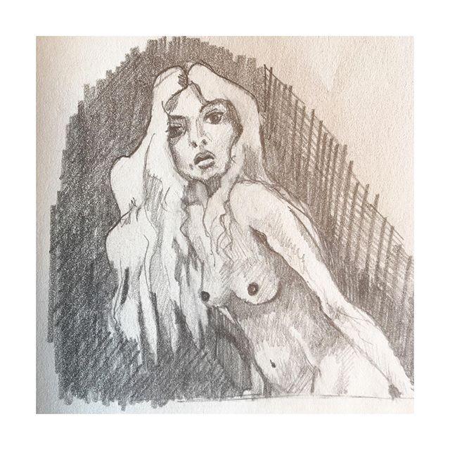 [Summer 2019 | Croquis | free the nipple] • • • #summervibes #summer #femme #feminity #body #nude #nufeminin #freethenipple #courbes #sensualité #tobeawomanisagift #odealafemme #noiretblanc #crayon #melissendescottdem #artiste #feminine #bordeaux