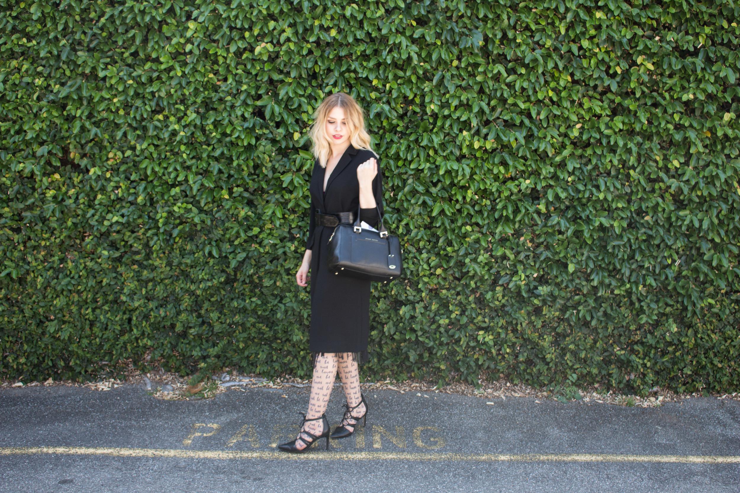 Jacket: Landes store (mink pink)    Skirt: Zara    Belt: Vintage