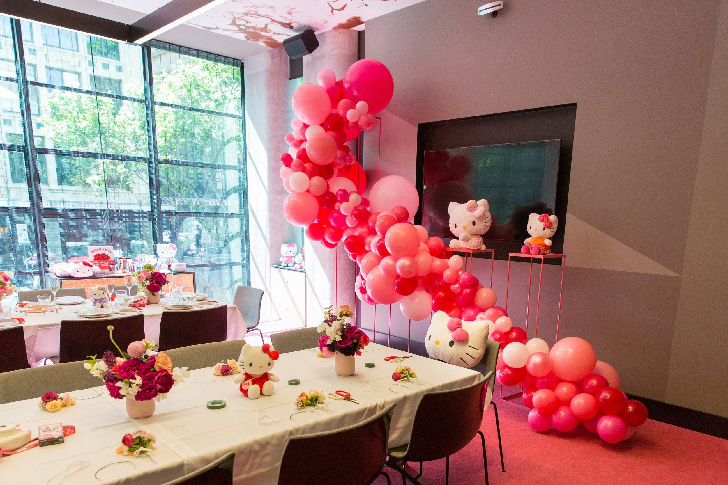 Jam on Your Collar - Hello Kitty High Tea - QT Melbourne - 0011.jpg