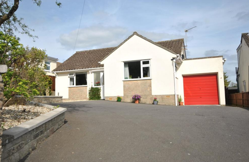 4 Alterhay, Chard. TA20 3LT     2-bedrooms - £284,950