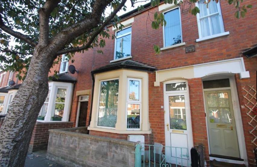68 York Street, Bedford. MK40 3RL      2-bedrooms - £275,000