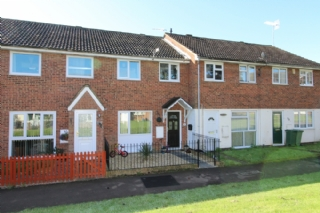 Carroll Close, Newport Pagnell, Buckinghamshire     3 bedrooms - £240,000