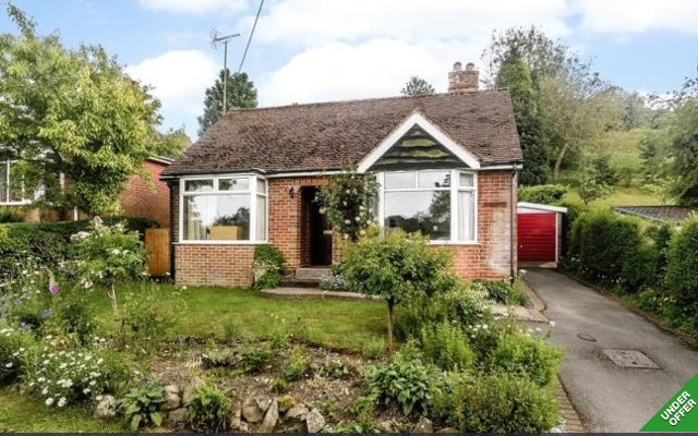 St George's Lower Church Fields, Marlborough      2-bedroom bungalow - £350,000