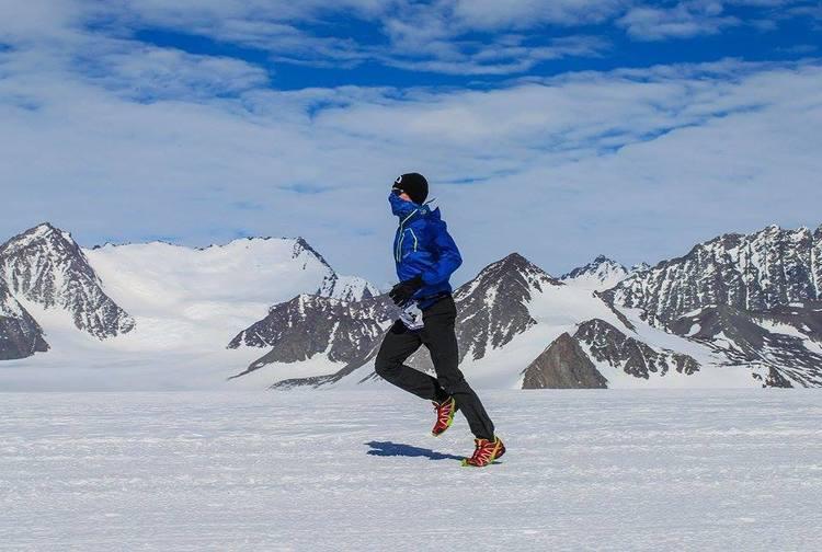 David Gething races through Alaska as part of his seven marathon world tour in support of Sunbeam
