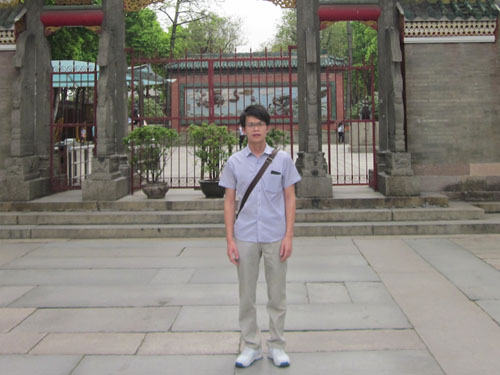 Today Thomas works as a doctor in Qingxin