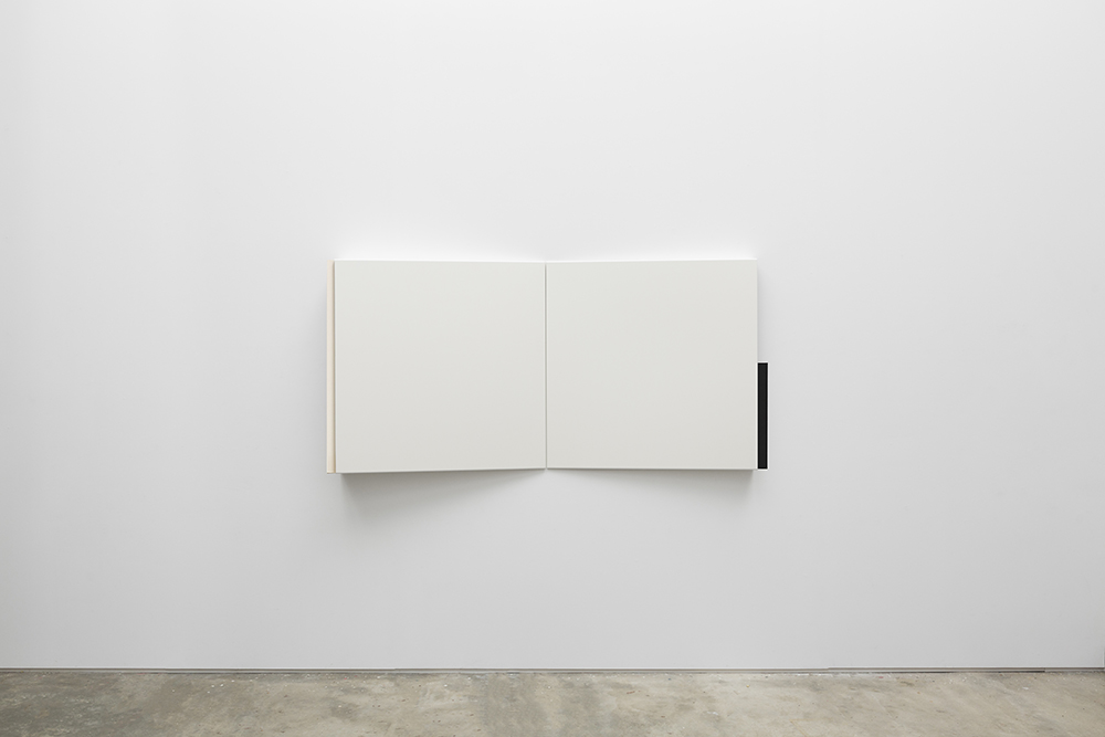 Fernanda Fragateiro  (demo) , 2017 White coated stainless steel supports, manufactured notebooks with fabric cover and ink jet prints from the book cover of Demo, Eine Bildgeschichte des Protests in der Bundesrepublik, Nikolaus Jungwirth. Beltz Verlag, Weinheim und Basel 1986, 200 x 100 x 20 cm