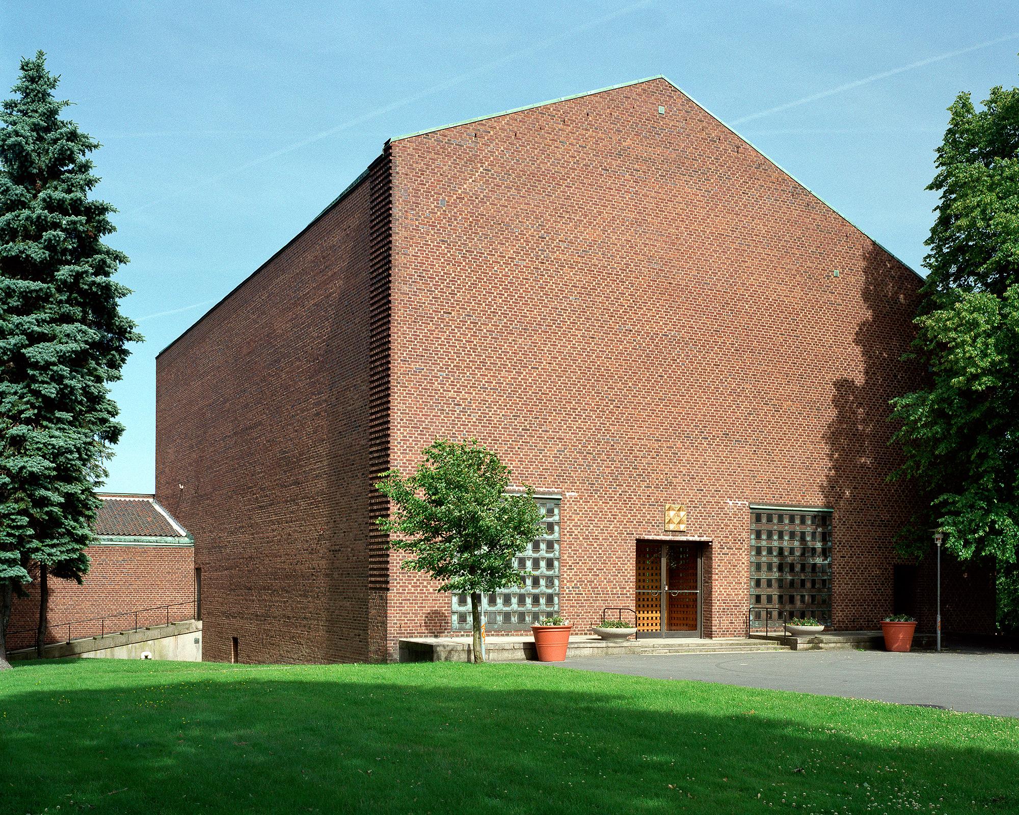 Härlanda kyrka  Peter Celsing