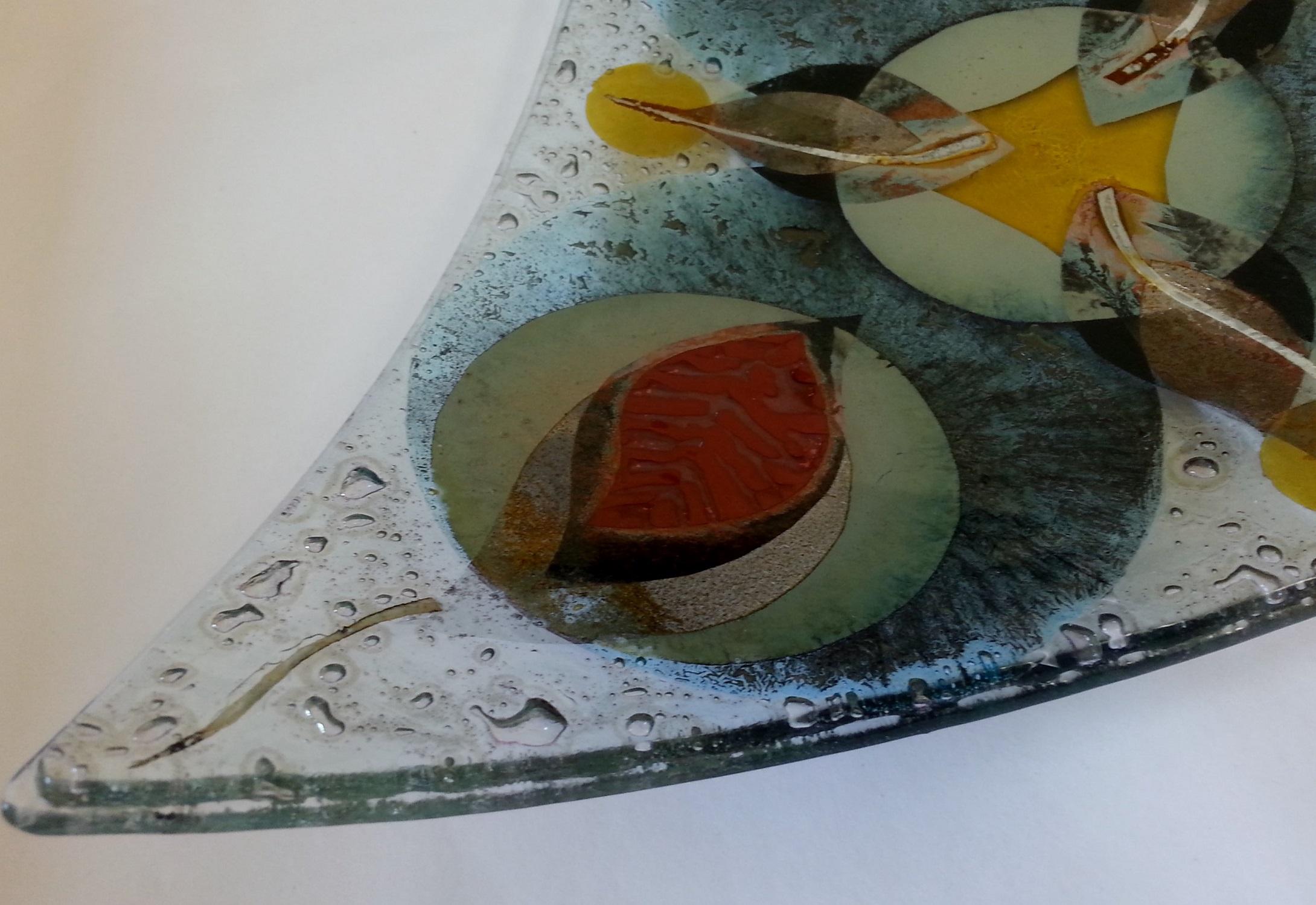 Detail of Triangular Dish    glass
