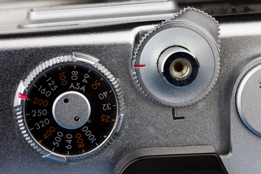 A feature which is often taken for granted is the shutter locking lever. This doesn't exist on many of my other cameras, which is something that greatly annoys me.