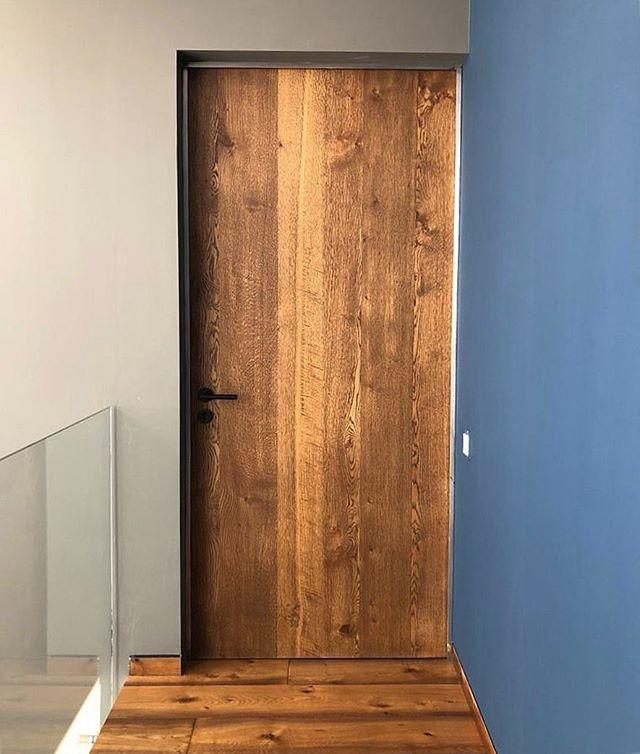 Puertas con carácter #fernandezcueto #puerta #madera #carpinteria #diseño #design #furnituredesign #interiorismo #interiordesign #door #wood