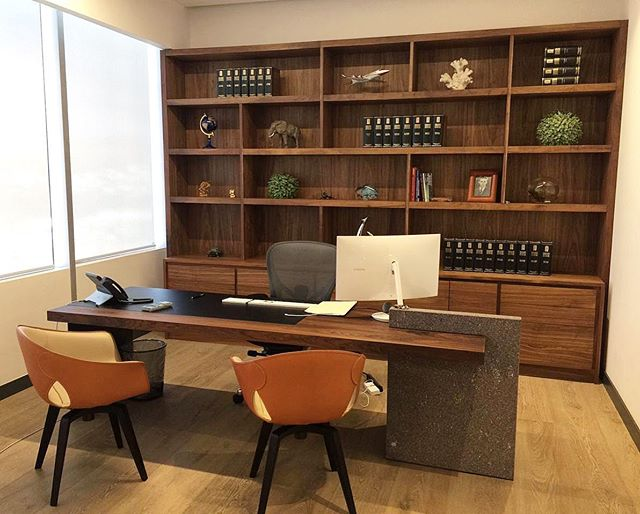 Oficinas corporativas San Luis Potosí  #fernandezcueto #oficinascorporativas #oficina #work #wood #pisodemadera #carpinteria #furnituredesign #design #diseño #furniture #muebles #madera #modernarchitecture #interiorismo #escrotorio