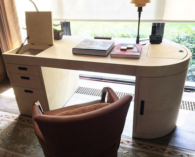 Bespoke desk made from parchment 📜 #fernandezcueto #parchment #interiordesign #design #designer #carpinteria #furnituredesign #handmade #bespoke #desk #escritorio #madera #wood #pergamino #hechoenmexico #interiorismo #arquitectura #moderdesign