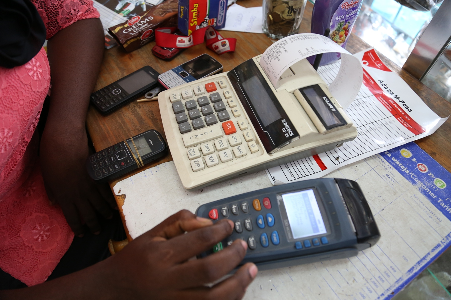 Red Flash proposes a project to optimize the collection of taxes to the Gabonese government, read more  here .