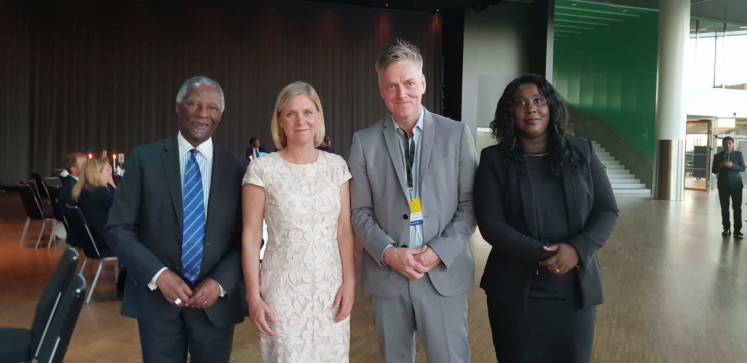 Former president Thabo Mbeki, Minister of Finance Magdalena Andersson, Hans Becker CEO Redflash and Madeleine Taylor Head of Communication and Strategy at Redflash.