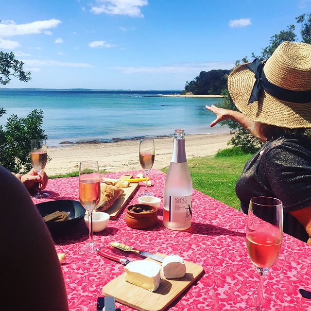 A Mornington Peninsula Private wine tour allows alfresco feasting