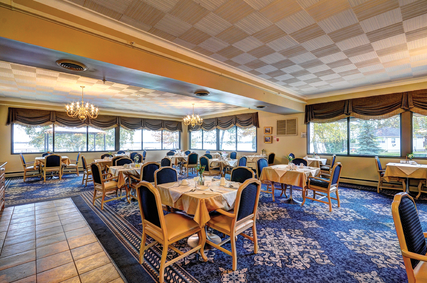 Birchmere Dining Room. Click to view larger image.