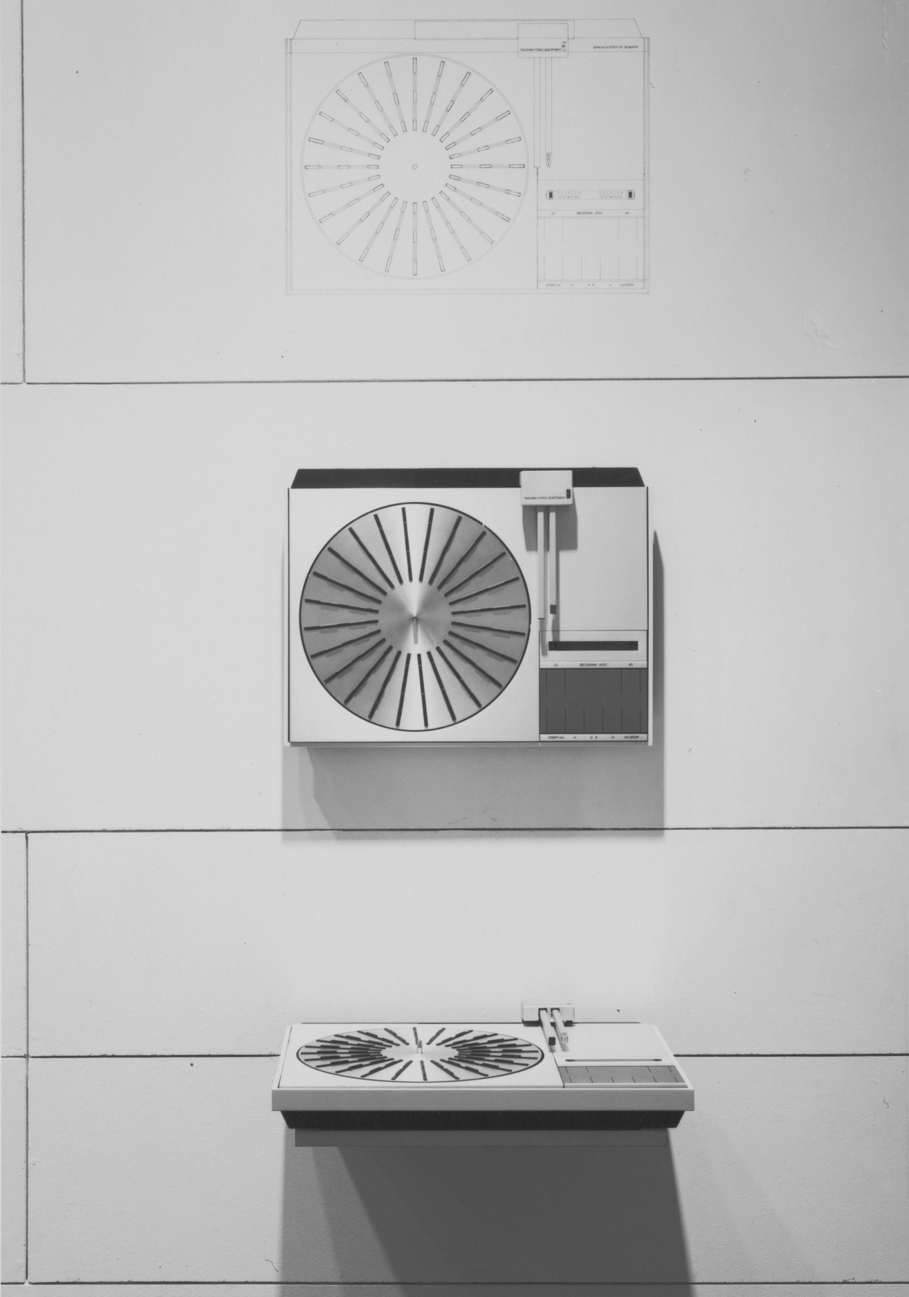"Installation view of the Beogram 4000 record player at The Museum of Modern Art's exhibition ""Bang & Olufsen: Design for Sound by Jakob Jensen"", April 14–June 18, 1978, New York. Courtesy  MoMA ."