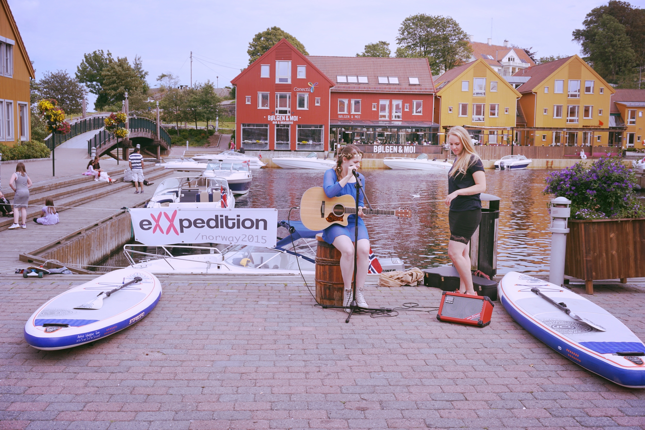 Eline Høyer gave us a beautiful show, and Malin an encouraging speach about our responsibility towards the ocean.