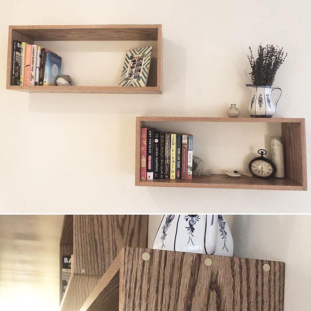 Floating box shelves, solid oak with brass inlays . . . . . . . . #wallacemade#wood#woodworking#mcm#midcentury#midcenturyfurniture#midcenturymodern#brass#inlay#decor#homedecor#minimalist#minimalistdesign#functionaldesign#interiordesign#shelf#shelves#floatingshelves#boxshelves#continuousgrain#creativestorage#manhattan#nyc#hellskitchen#mandmade#handcrafted#smallbusiness#veteranowned#madeinusa#americanmade