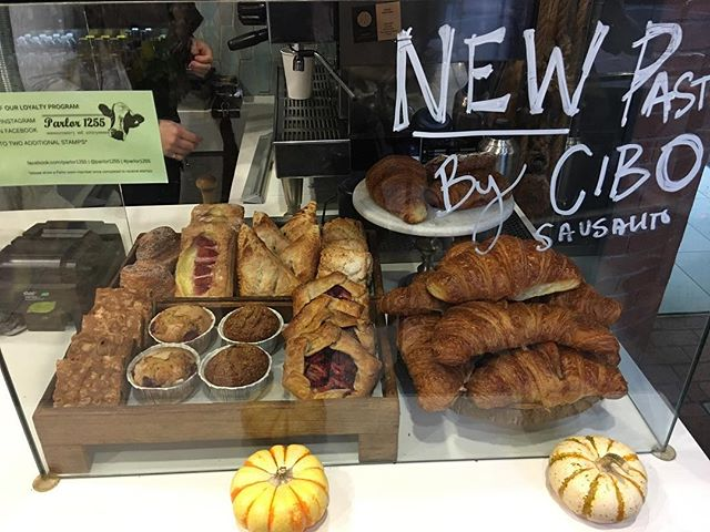 New daily fresh pastries! 😋😋😋😋 #pastries #fresh #cookies #muffin #foodie #eats
