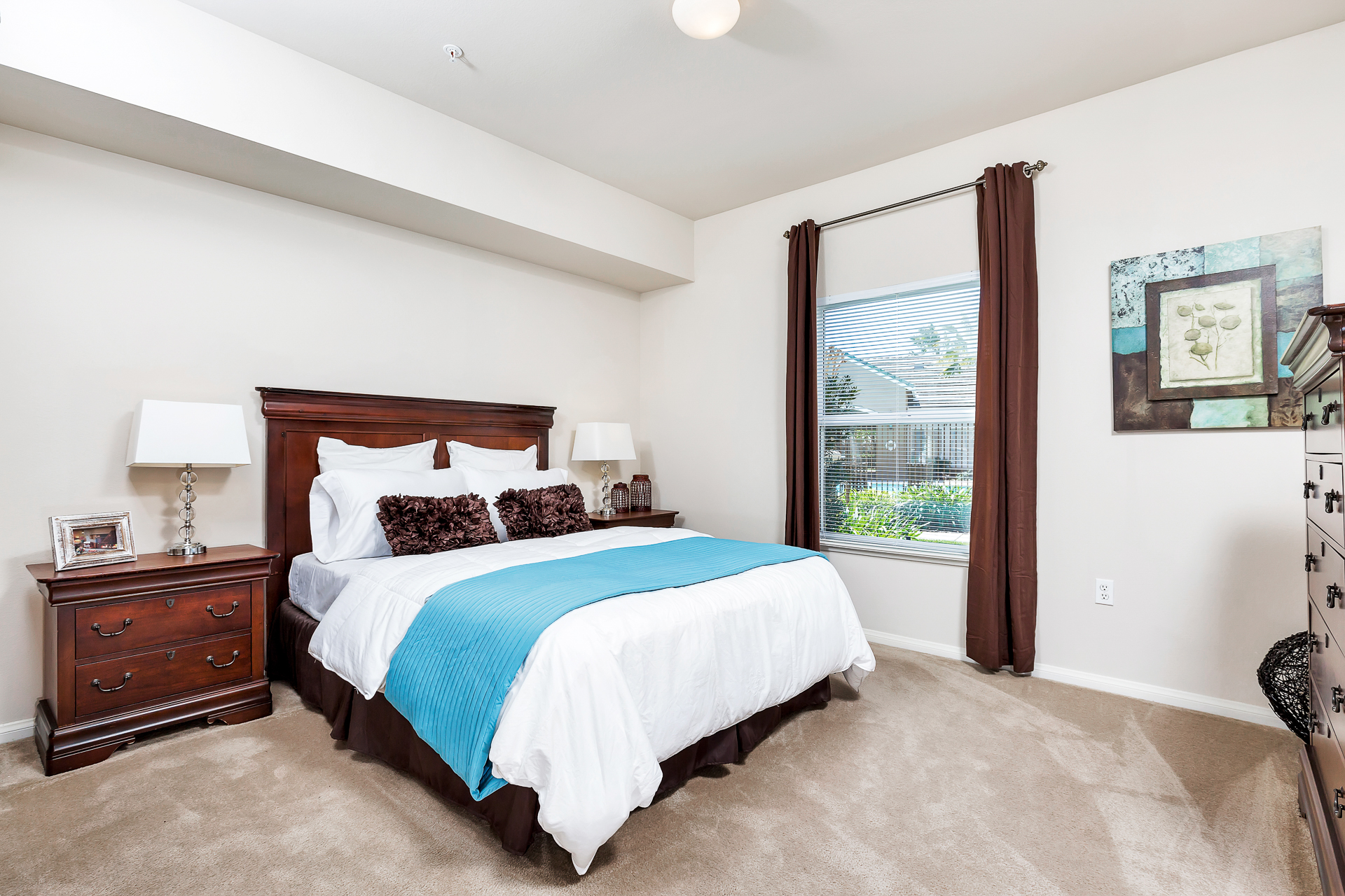 29-Sycamore-Terrace-Apartments-Photo-by-Brad-Ahlm-FairMarketPhoto-FullRes.jpg