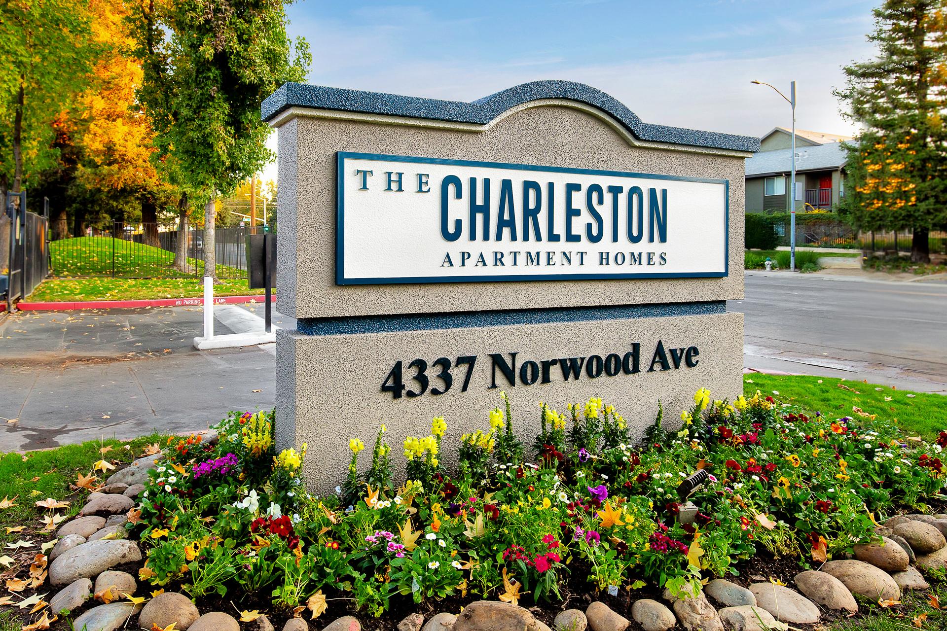Charleston-Apartments-01.jpg
