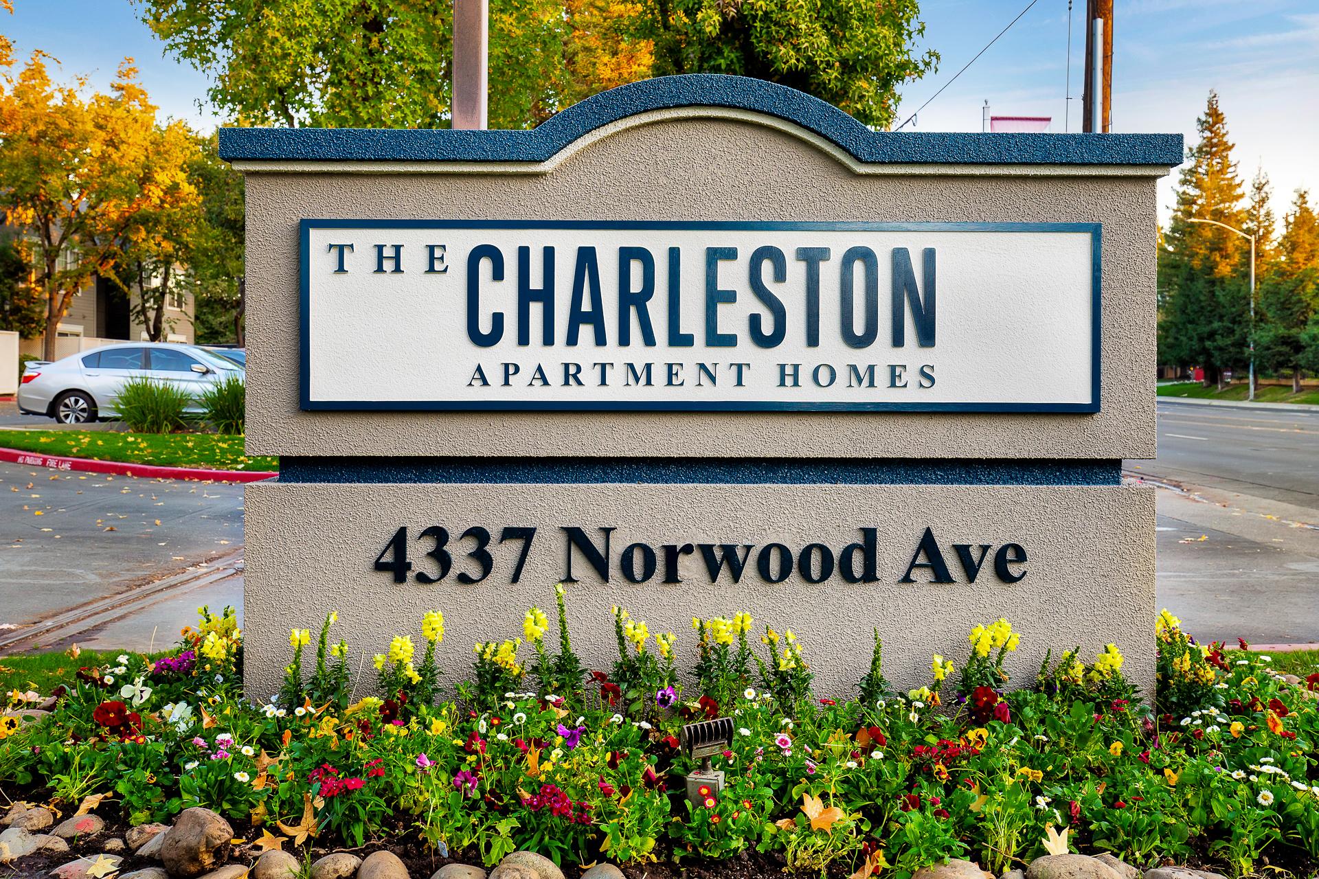 Charleston-Apartments-03.jpg