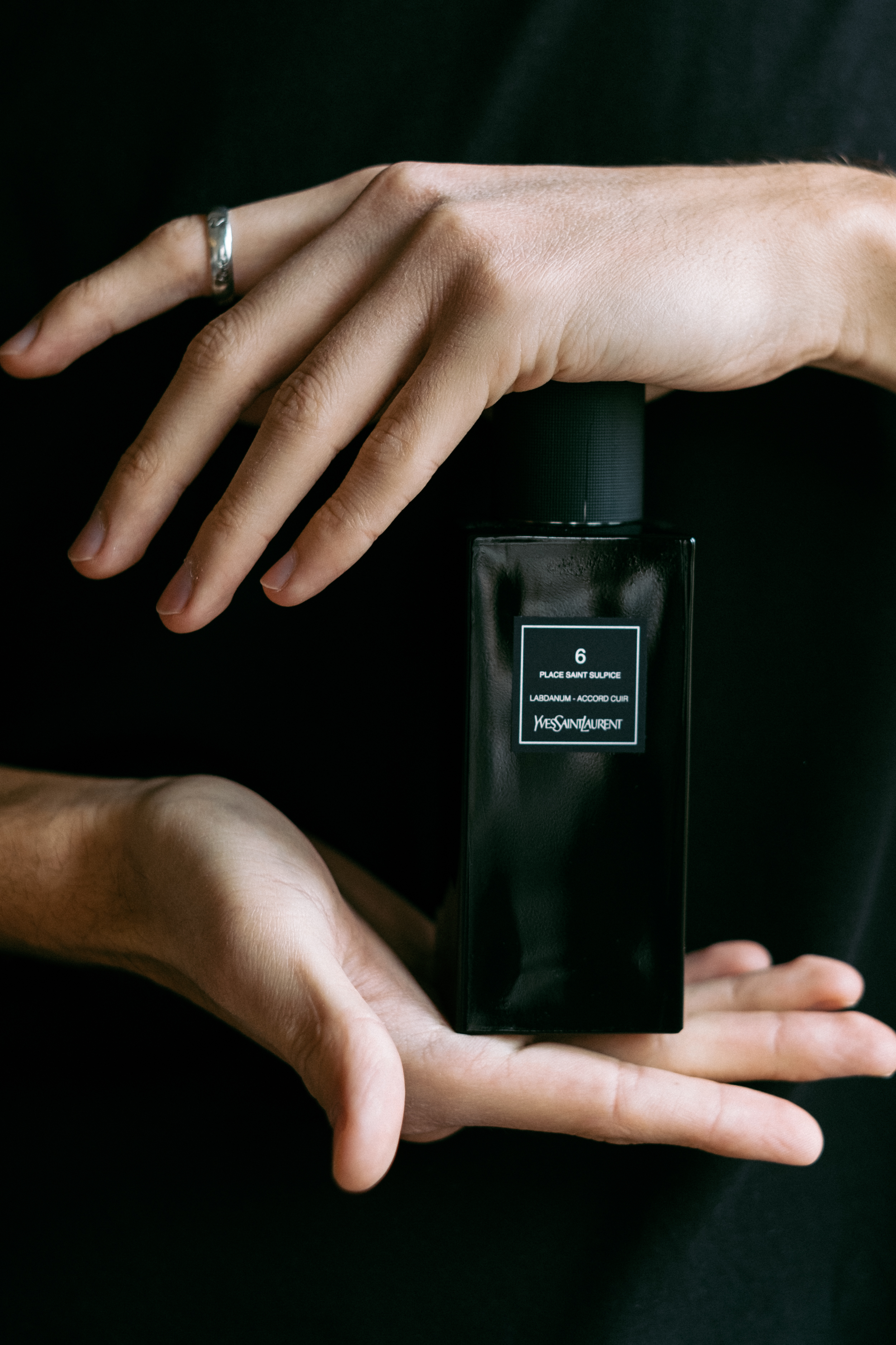 Niche perfume  6 Place Saint Sulpice  by  Yves Saint Laurent  is perfect for dank days. The fragrance opens with a light bouquet of lavender and bergamot, accented by distinct yet intriguing notes of saffron, leather and oriental spices.