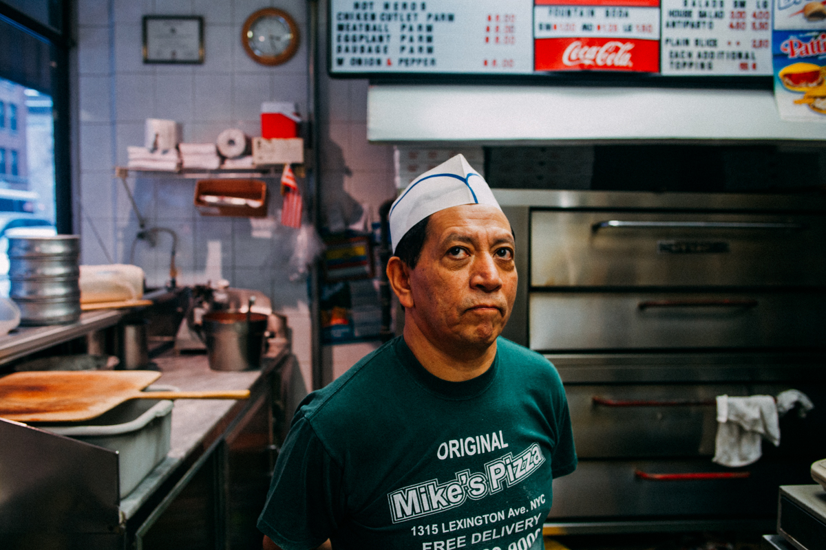 the-new-york-pizza-project-mikes-pizza-upper-east-side-maker-miguel