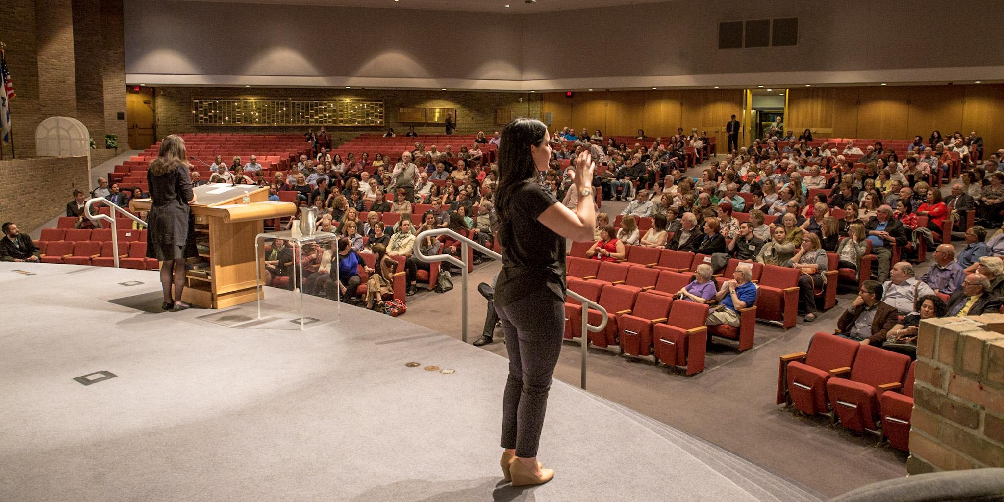 Sarah Hurwitz at Temple Israel (5/17)  photo by Jamie Feldman