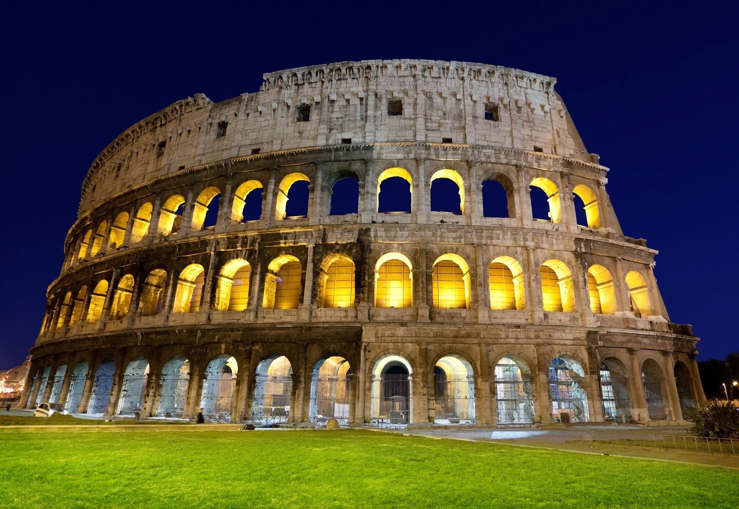 Wonder_of_World_Colosseum_in_Italy_Wallpaper.jpg