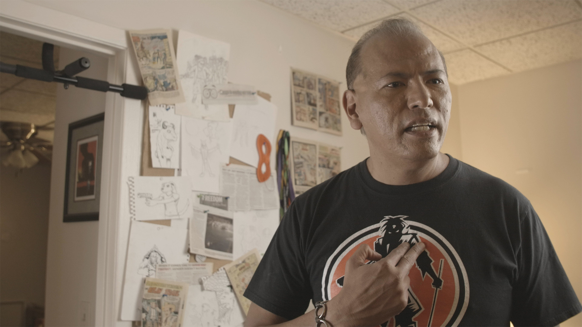 The Incredible Brown NDN - Director: Rodrick Pocowatchit, 9 m 49 sLive Short, United StatesAn ordinary Joe decides to become the world's first Native Amerivsn superhero.