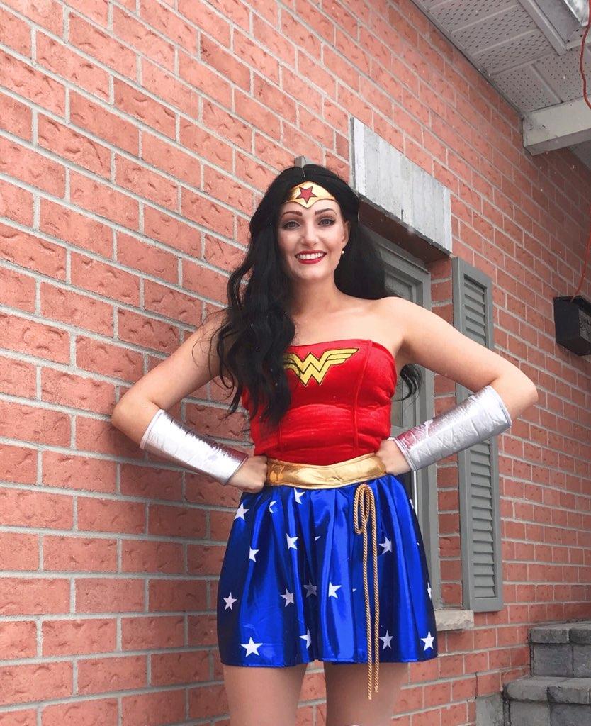 Wonder Woman (Victoria) (1).jpg