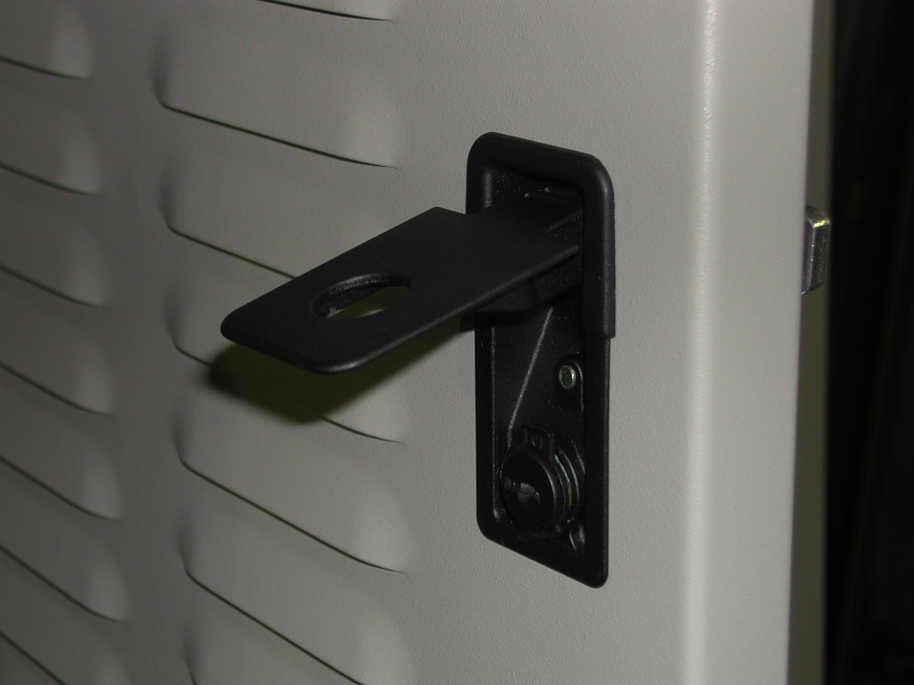 Shielded Enclosures Shielded Racks RFI Cabinets RFI Racks Hopewell Precision Hopewell Junction NY DSCN1455.JPG