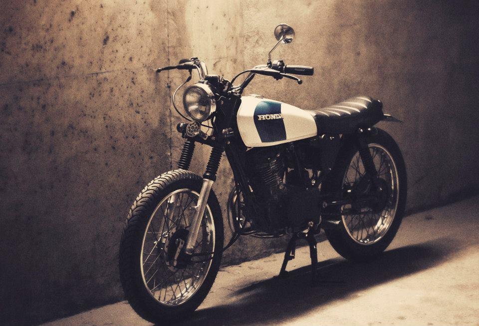 Dauphine-Lamarck-cg125-featured-on-Compact-Custom-Motorcycles.jpg