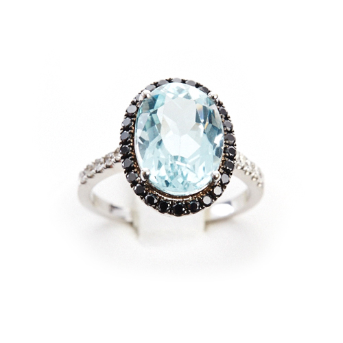 2.37 ct Oval Aquamarine and Black Diamond Surround