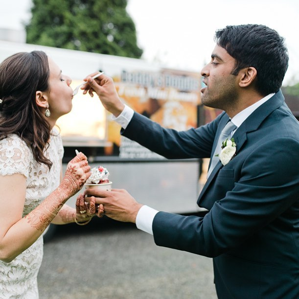 Happy one year anniversary A&N! May you continue to always feed each other's souls (or feed each other donuts)! Cheers! .  Photo: @meredithmckee . . . #happyanniversary #itsyourdayevents #mondayfunday #donuts #feedme #seattlefood #seattlewedding #seattleweddingplanner #daddysdonuts #mmm #bride #groom #weddinghenna