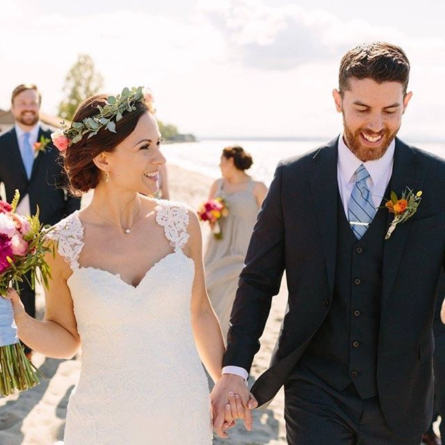Happy two year anniversary to Ashley & her husband Wes! We are so excited for their journey ahead into parenthood. Cheers! . Photo: @courtneybowlden  H&MU: @latecia.michelle.artistry  Floral: @stem_floral_design  Dress: @essenseofaustralia . . #happyanniversary #alkibeach #alkiwedding #seattlewedding #seattleweddingplanner #seattleweddingphotographer #maywedding #beachwedding #essenceofaustralia #flowercrown #bride #groom #bluesky