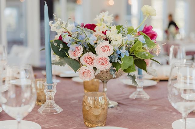 Happy Mother's Day to all the mama's out there! ⠀⠀⠀⠀⠀⠀⠀⠀⠀ .⠀⠀⠀⠀⠀⠀⠀⠀⠀ Photo: @courtneybowlden⠀⠀ Floral: @hollyyeefloralarchitecture  Rentals: @grandeventrentals  Design: #itsyourdayevents ⠀⠀⠀⠀⠀⠀⠀ .⠀⠀⠀⠀⠀⠀⠀⠀⠀ .⠀⠀⠀⠀⠀⠀⠀⠀⠀ . ⠀⠀⠀⠀⠀⠀⠀⠀⠀ #weddingnetworkseattle #mothersday #flowers #pinkflowers #toallthemamas #gold #dustyrose #blue #cheers