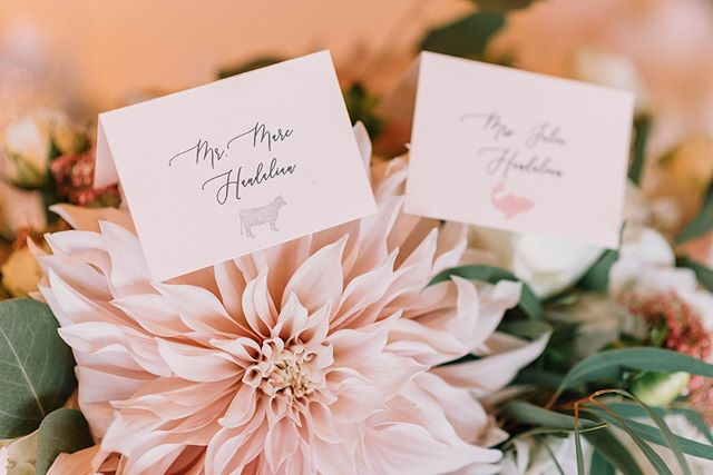 "Simple Sunday- Place cards! We are for them! If you are having a plated meal at your wedding, they are a necessity, however, even if you're not you can have them at each table for seating arrangements. We know, we know- we hear it all the time- ⠀⠀⠀⠀⠀⠀⠀⠀⠀ ""Our guests can just sit where ever they want""! In a perfect world, sure. But in real life - that's not really the case, as this can lead to confusion and VIP guests sitting all the way in the back of your reception. The best way to combat this is by using seating arrangements no matter what.⠀⠀⠀⠀⠀⠀⠀⠀⠀ ⠀⠀⠀⠀⠀⠀⠀⠀⠀ ------------⠀⠀⠀⠀⠀⠀⠀⠀⠀ Your guests love direction on the wedding day, and having a place to go that is saved just for them adds comfort to the wedding going experience.  Not to mention, place cards also enhance your design and add refinement to the dining experience. Ps. they are fun to create too! ⠀⠀⠀⠀⠀⠀⠀⠀⠀ ⠀⠀⠀⠀⠀⠀⠀⠀⠀ .⠀⠀⠀⠀⠀⠀⠀⠀⠀ .⠀⠀⠀⠀⠀⠀⠀⠀⠀ .⠀⠀⠀⠀⠀⠀⠀⠀⠀ Photo Cred :  @julianaJphotograph⠀⠀⠀⠀⠀⠀⠀⠀⠀ .⠀⠀⠀⠀⠀⠀⠀⠀⠀ #givemeaplacetosit #placecards #weddingknowledge #plannertips #weddingplanning #design #itsyourday #greatweddingadvice #weddingplannerseattle #dayofweddingcoordinator"