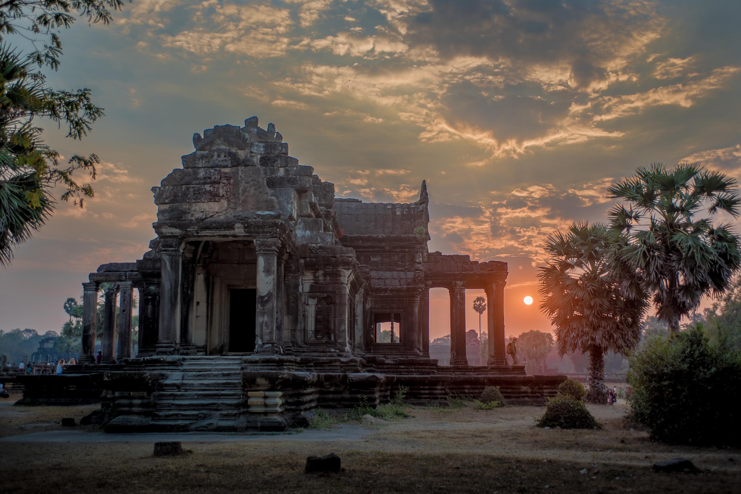 Angkor Sunrise HDR.jpg