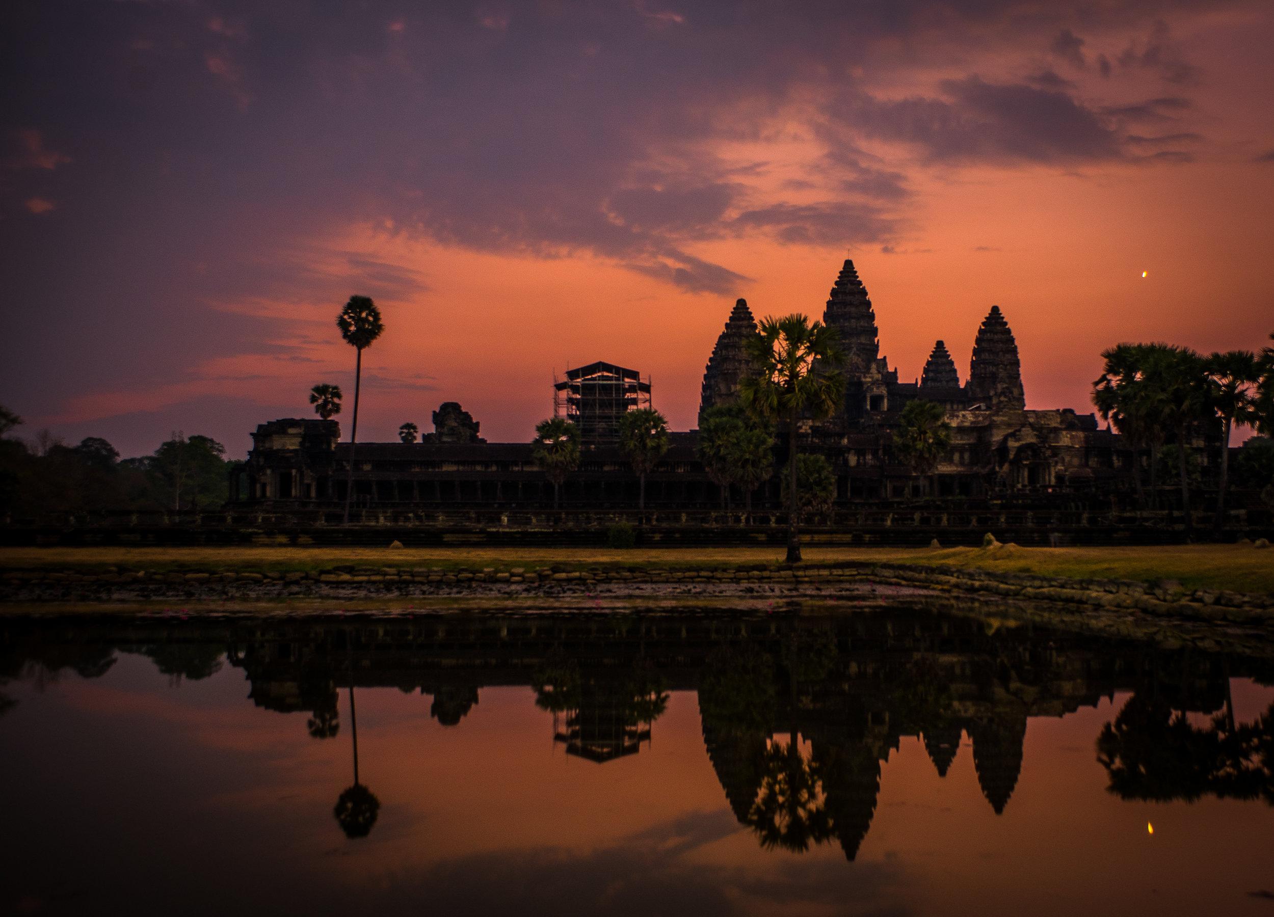 Angkor at Sunrise 2.jpg