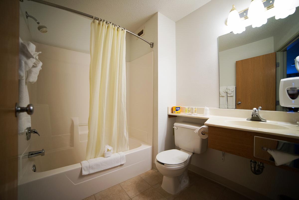 king_bathroom.png