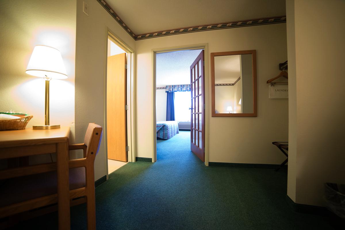 2-room-suite-4.png