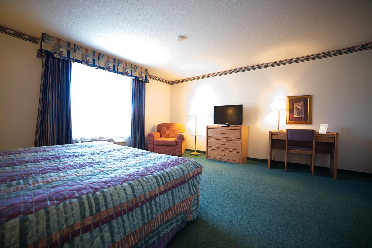 2-room-suite-3.png